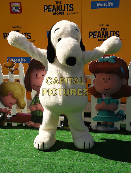 WESTWOOD, CA - NOVEMBER 01: Snoopy attends the Premiere of 20th Century Fox's 'The Peanuts Movie' at the Regency Village Theatre on November 1, 2015 in Westwood, California.<br /> CAP/ROT<br /> &copy;Lee Roth/Capital Pictures