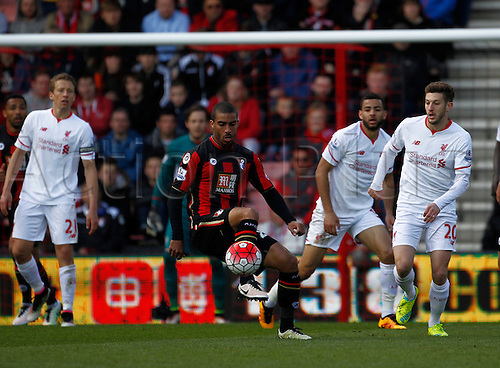 17.04.2016. Vitality Stadium, Bournemouth, England. Barclays Premier League. Bournemouth versus Liverpool. Bournemouth striker Lewis Grabban holds up the ball with the Liverpool defence lining up behind him.