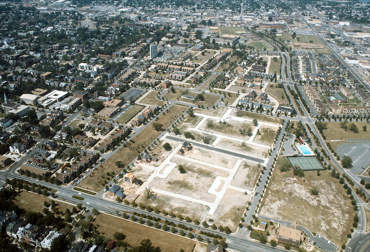 1983 July ..Redevelopment.East Ghent..GHENT SQUARE...NEG#.NRHA#..