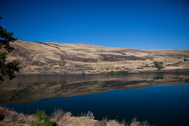 National Geographic Sea Lion's trip to the Eastern Columbia River Gorge.  A rare, calm day on the Columbia River at The Dalles.