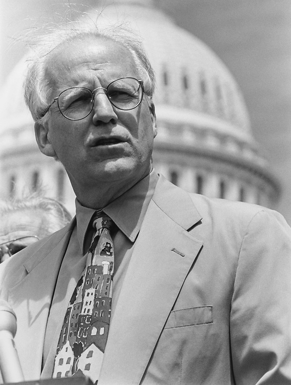 Rep. Chris Shays, R-Conn., at a Census press conference on June 4, 1997. (Photo by Shana Raab/CQ Roll Call via Getty Images)