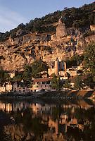 Europe/France/Aquitaine/24/Dordogne/Vallée de la Dordogne/Périgord/Périgord noir/La Roque-Gageac: La ville et la vallée