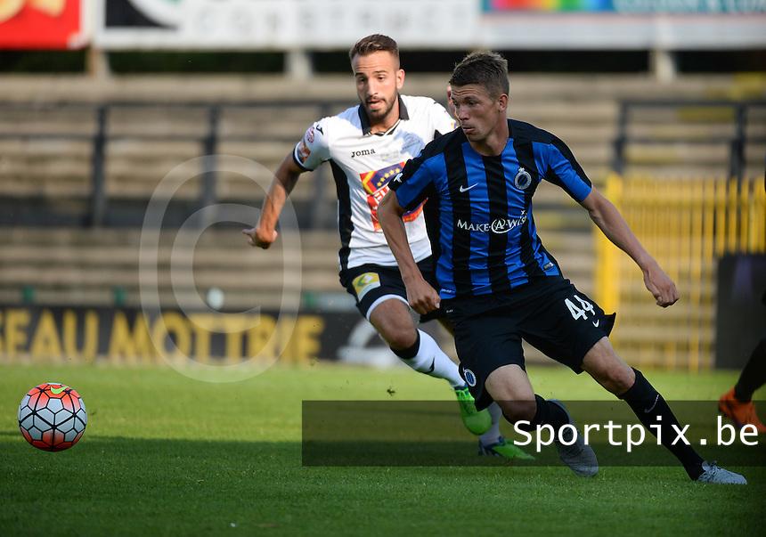 KSV Roeselare - Club Brugge KV : duel om de bal tussen Brandon Mechele (r) en Christophe Martin Suarez (l)<br /> foto VDB / BART VANDENBROUCKE