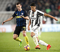 Calcio, Serie A: Torino, Juventus Stadium, 5 febbraio 2017.<br /> Inter Milan's Ivan Perisic (l) in action with Juventus' Sami Khedira during the Italian Serie A football match between Juventus and Inter Milan at Turin's Juventus Stadium, on February 5, 2017.<br /> UPDATE IMAGES PRESS/Isabella Bonotto