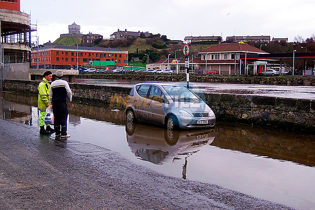 Iam Stuck.... A car on Wellington Quay  in the flooding on Saturday afternoon...Pic Tony Campbell/Newsfile