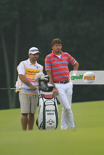 Robert Jan Derksen (NED) on the 1st on Day 1 of the Maybank Malaysian Open 2012 at Kuala Lumpur Golf and Country Club, Kuala Lumpur, Malaysia..(Photo Jenny Matthews/www.golffile.ie)