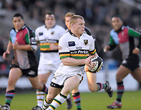 Twickenham. GREAT BRITAIN, Saints  Darren Fox running with the ball,  during the, Guinness Premiership game between, NEC Harlequins and Northamption Saints, on Sat., 04/11/2006, played at the Twickenham Stoop, England. Photo, Peter Spurrier/Intersport-images].....