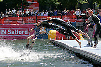 29 JUL 2007 - SALFORD, UK - Elite Men dive back into the water for the second swim lap - Salford ITU World Cup Triathlon. (PHOTO (C) NIGEL FARROW)