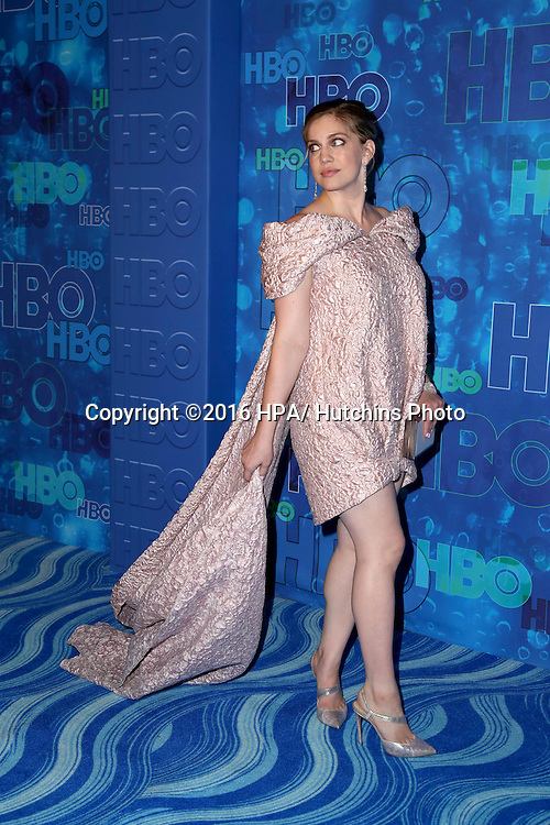 LOS ANGELES - SEP 18:  Anna Chlumsky at the 2016  HBO Emmy After Party at the Pacific Design Center on September 18, 2016 in West Hollywood, CA