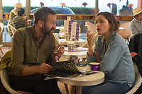 Rose Byrne &amp; Chris O'Dowd<br /> Juliet, Naked (2018) <br /> *Filmstill - Editorial Use Only*<br /> CAP/RFS<br /> Image supplied by Capital Pictures