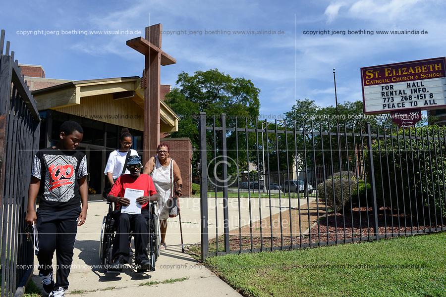 USA Chicago, South Side, afroamerican parish of St. Elizabeth Church, founded in 1881 is the oldest African American Catholic Institution in the Archdiocese of Chicago, sunday holy mass / afroamerikanische Gemeinde der katholischen Kirche St. Elizabeth, heilige Messe, Vietnam Kriegsveteran