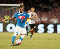 Calcio, Serie A: Napoli vs Juventus. Napoli, stadio San Paolo, 26 settembre 2015. <br /> Napoli's Gonzalo Higuain in action during the Italian Serie A football match between Napoli and Juventus at Naple's San Paolo stadium, 26 September 2015.<br /> UPDATE IMAGES PRESS/Isabella Bonotto<br /> <br /> *** ITALY AND GERMANY OUT ***