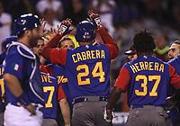 Homerun de Miguel Cabrera en la parte alta de la novena entrada que representa la carrera 3 por 2 de italia, durante el partido de desempate Italia vs Venezuela, World Baseball Classic en estadio Charros de Jalisco en Guadalajara, Mexico. Marzo 13, 2017. (Photo: Luis Gutierrez)