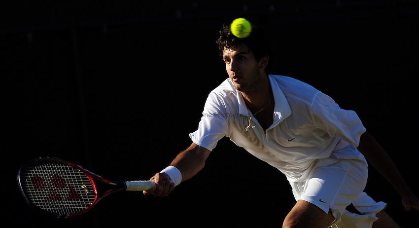 Photo: Simon de Trey-White..Wimbledon Championships. 04/07/2006..Mario Ancic of Croatia.