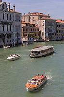 Italie, Vénétie, Venise:  Grand canal  et Palais  vénitiens   // Italy, Veneto, Venice:  Grand canal and Venetian palaces