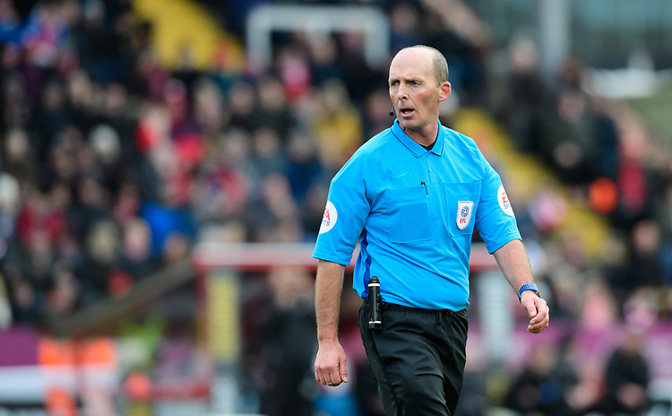 Referee Mike Dean<br /> <br /> Photographer Chris Vaughan/CameraSport<br /> <br /> The EFL Sky Bet League Two - Lincoln City v Grimsby Town - Saturday 19 January 2019 - Sincil Bank - Lincoln<br /> <br /> World Copyright &copy; 2019 CameraSport. All rights reserved. 43 Linden Ave. Countesthorpe. Leicester. England. LE8 5PG - Tel: +44 (0) 116 277 4147 - admin@camerasport.com - www.camerasport.com