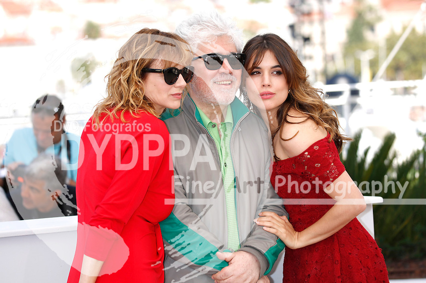 Emma Suarez, Pedro Almodovar and Adriana Ugarte at the 'Julieta' photocall during the 69th Cannes Film Festival at the Palais des Festivals on May 17, 2016