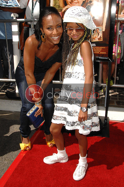 Jada Pinkett Smith and Willow Smith<br />