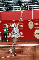 BOGOTA - COLOMBIA - 14-04-2016: Silvia Soler-Espinosa de España, devuelve la bola a Anna Tatishvili de Estados Unidos, durante partido por el Claro Colsanitas WTA, que se realiza en el Club El Rancho de Bogota. / Silvia Soler-Espinosa from Spain, returns the ball to Anna Tatishvili from United States, during a match for the WTA Claro Colsanitas, which takes place at Club El Rancho de Bogota. Photo: VizzorImage / Luis Ramirez / Staff.
