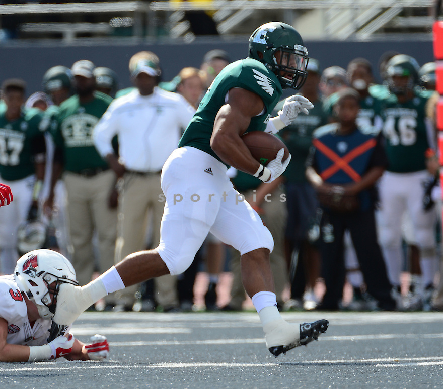 Eastern Michigan Eagles Darius Jackson (6) during a game against the Ball State Cardinals on September 19, 2015 at Rynearson Stadium in Ypsilanti, MI. Ball State beat Eastern Michigan 28-17.