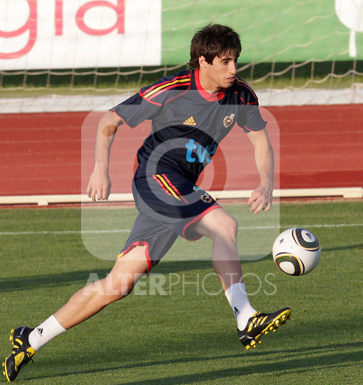 MADRID (24/05/09).- The Spanish Soccer national team has officially begun their hunt for the championship, arriving in the Madrid municipality of Las Rozas to begin preparing for South Africa World Cup.  Javi Martinez...PHOTO: Cesar Cebolla / ALFAQUI