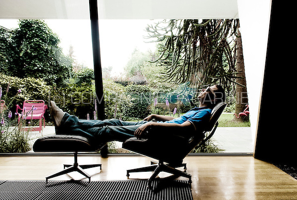 Hooverphonic front man and producer Alex Callier in his home in Sint-Niklaas (Belgium, 07/08/2009)