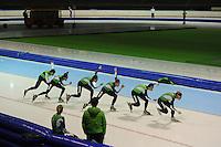 SCHAATSEN: HEERENVEEN: 24-10-2013, IJsstadion Thialf, Laatste training voor KPN NK afstanden, ©foto Martin de Jong