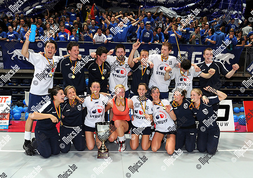 2011-03-20 / Korfbal / seizoen 2010-2011 / Boeckenberg  viert..Foto: Mpics
