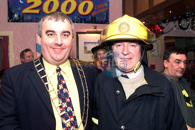 Mayor Sean Collins and Drogheda Independent Group Editor, Paul Murphy at the Millenium Fancy Dress Party in the Fishermans Wharf..Picture Paul Mohan Newsfile