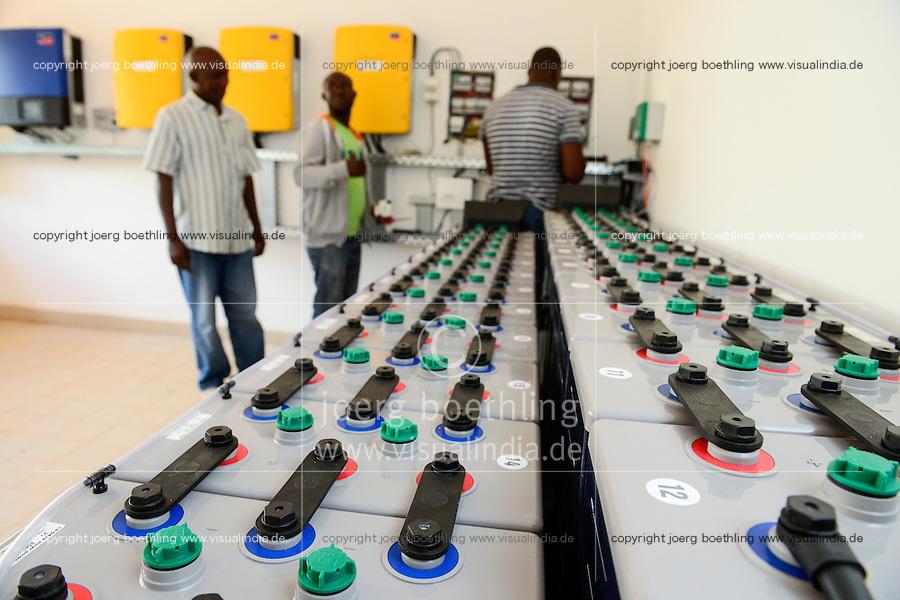 BURKINA FASO, Bobo Dioulasso, agricultural training institute CAP-M,  battery station to store solar power / landwirtschaftliche Berufsschule CAP-M, Solaranlage, Hoppecke Speicherbatterien und SMA Wechselrichter