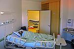Paciente no Hospital Municipal de Barueri. Sao Paulo. 2014. Foto de Marcia Minillo.