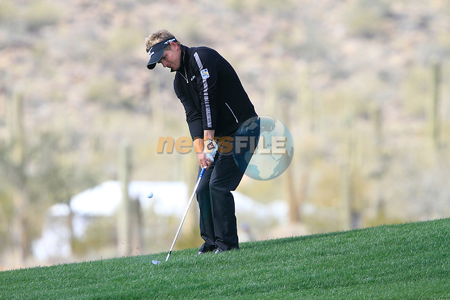 Luke Donald (ENG) in action at the 9th green during the Finals Day 5 of the Accenture Match Play Championship from The Ritz-Carlton Golf Club, Dove Mountain, Sunday 27th February 2011. (Photo Eoin Clarke/golffile.ie)