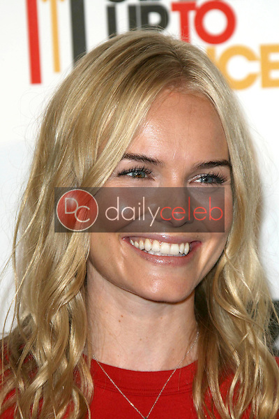 Kate Bosworth<br />at Stand Up To Cancer. Kodak Theater, Hollywood, CA. 09-05-08<br />Dave Edwards/DailyCeleb.com 818-249-4998