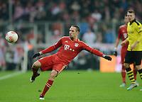 FUSSBALL   1. BUNDESLIGA  SAISON 2012/2013   15. Spieltag FC Bayern Muenchen - Borussia Dortmund     01.12.2012 Franck Ribery (FC Bayern Muenchen) am Ball