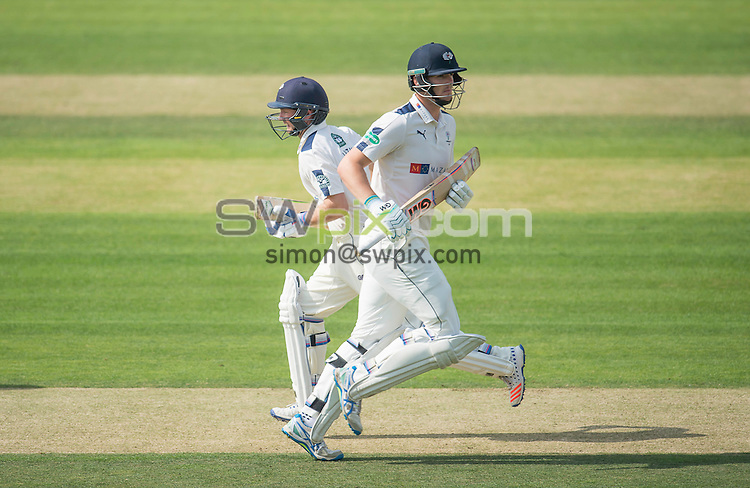 Picture by Allan McKenzie/SWpix.com - 23/08/2016 - Cricket - Specsavers County Championship - Yorkshire County Cricket Club v Nottinghamshire County Cricket Club - North Marine Road, Scarborough, England - Adam Lyth & Alex Lees cross during a run.