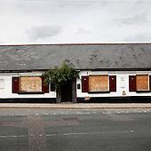 """Lewes, Great Britain, July 2010:.""""The Meridien"""", pub closed and boarded up, to be turned into flats..(Photo by Piotr Malecki / Napo Images)..Lewes, Wielka Brytania, Lipiec 2010:.""""The Meridien"""", pub zamkniety, sprzedany z przenaczeniem na mieszkania.. Fot: Piotr Malecki / Napo Images"""