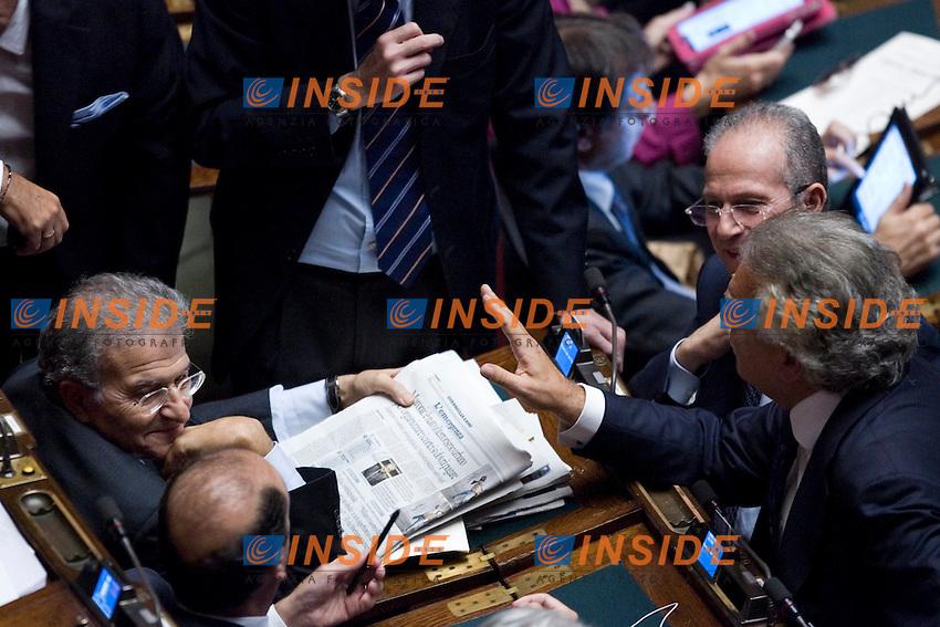 PROSEGUIMENTO ALLA CAMERA DEI DEPUTATI DELL ESAME DELLA RIFORMA COSTITUZIONALE IN TEMA DI INIZIATIVA ECONOMICA..NELLA FOTO FABRIZIO CICCHITTO  ANGELINO ALFANO  E DENIS VERDINI..ROMA 19 OTTOBRE  2011..PHOTO  SERENA CREMASCHI INSIDEFOTO..............................