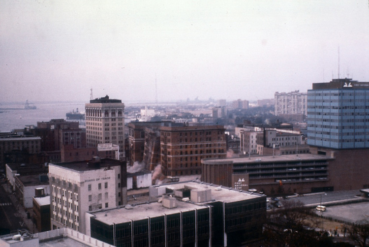 1976 July 04..Redevelopment...Downtown North (R-8)..MONTICELLO HOTEL DEMOLITION...NEG#.NRHA#..