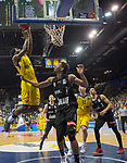 14.04.2018, EWE Arena, Oldenburg, GER, BBL, EWE Baskets Oldenburg vs s.Oliver W&uuml;rzburg, im Bild<br /> frei zum Korbleger<br /> Frantz MASSENNAT (EWE Baskets Oldenburg #10)<br /> Kameron TAYLOR (s.Oliver W&uuml;rzburg #7 )<br /> Foto &copy; nordphoto / Rojahn