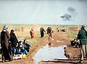Iraq 2015 January 30 and 31, the recapture of villages and land south Kirkuk , Arab villagers fleeing the bombings  Irak 2015 Janvier 30 et 31, la reprise de villages et terres au sud de Kirkouk,  des villageois arabes fuyant les bombardements