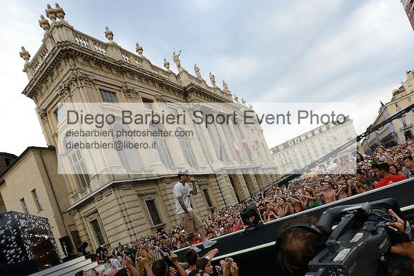 (KIKA) - TORINO, 29/06/2012 - Il rapper Fedez si esibisce durante la prima serata degli MTV Days nella cornicie di Palazzo Madama in piazza Castello a Torino, il 29 giugno 2012.