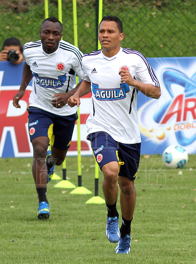 BOGOTA - COLOMBIA--24-05 -2013 :  Carlos Bacca  durante el  entrenamiento de la selección Colombia de fútbol de mayores en el estadio El Campincito antes de su encuentro con la selección de Argentina en Buenos Aires . (Foto: VizzorImage / . Carlos Bacca . Training Colombia soccer team over at El Campincito before his encounter with the selection of Argentina in Buenos Aires....VizzorImage / Felipe Caicedo / Staff