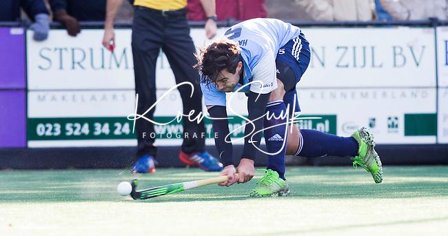 BLOEMENDAAL - HOCKEY - Thom Hayward van Hurley tijdens de hoofdklasse competitie wedstrijd tussen de mannen van Bloemendaal en Hurley (1-1) . COPYRIGHT KOEN SUYK