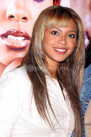 Beyonce 10&ndash;25-2002<br />