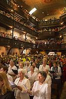 France, Aquitaine, Pyrénées-Atlantiques, Pays Basque,  pendant la fête du piment d'Espelette, messe à l'église Saint-Etienne , la chorale d'Espelette //  France, Pyrenees Atlantiques, Basque Country, Espelette:   during Espelette pepper festival , Mass at the church with the Espelette choir