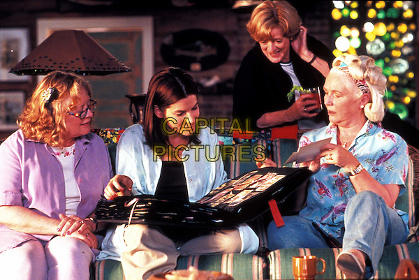 SHIRLEY KNIGHT, SANDRA BULLOCK, MAGGIE SMITH & FIONNULA FLANAGAN.in Divine Secrets Of The Ya Ya Sisterhood.Filmstill - Editorial Use Only.Ref: 11735.CAP/AWFF.supplied by Capital Pictures