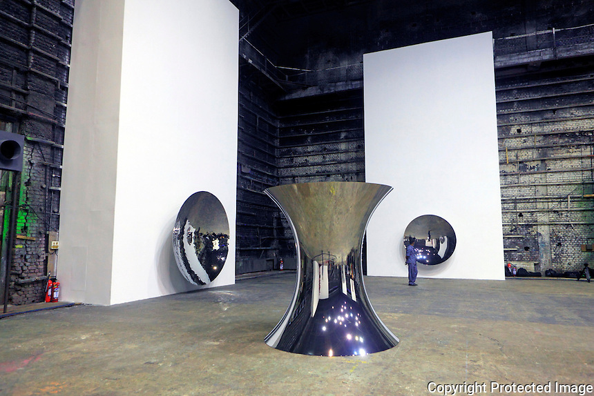Anish Kapoor Exhibition in Mumbai