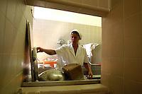 Plonge, settore della cucina dove si lavano tutti gli utensili adoperati in cucina.Plonge, the place where all the utensils used in cooking are washed ..Villa Grazioli è un raffinato albergo della catena internazionale Relais & Chateaux..Fu costruita dal Cardinale Antonio Carafa nel 1580 e racchiude tra le sue mura opere d'arte dei maestri del XVI e XVII secolo, Ciampelli, Carracci e G.P. Pannini. .Villa Grazioli is a sophisticated international hotel chain Relais & Chateaux. .It was built by Cardinal Antonio Carafa in 1580 and contains works of art of the sixteenth and seventeenth century, of Ciampelli, Carracci and GP Pannini....