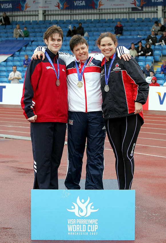 Photo: Paul Thomas..VISA Paralympic World Cup 2007. Athletics. 13/05/2007...(L-R) Eva Berna of Czech Republic, Beverley Jones of Great Britain and Amanda Fraser of Australia.