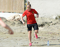 20180302 - LARNACA , CYPRUS :  Belgian Maud Coutereels pictured during a Muscular warm up training session on the beach before a women's soccer game between The Belgian Red Flames and Spain , on friday 2 March 2018 on the CTO Beach in Larnaca , Cyprus . The game will be the second game in group B for Belgium during the Cyprus Womens Cup , a prestigious women soccer tournament as a preparation on the World Cup 2019 qualification duels. PHOTO SPORTPIX.BE | DAVID CATRY